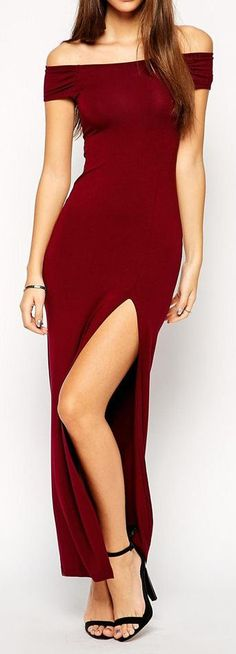 Burgundy Off Shoulder Maxi ❤︎