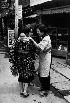 Robert Capa © International Center of Photography Tokyo. April, 1954.