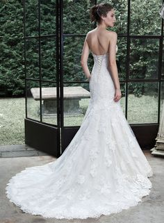 maggie sottero fall 2015 wedding dresses gorgeous mermaid gown fit flare trumpet strapless sweetheart neckline crystal lace embroidery amarosa back Fit And Flare Wedding Dress, Sweetheart Wedding Dress, Lace Mermaid Wedding Dress, Mermaid Dresses, Mermaid Gown, Mermaid Sweetheart, Tulle Wedding, Wedding Bells, Flare Dress