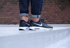 Nike Air Max Zero Essential - Black / White / Dark Grey - 876070-004