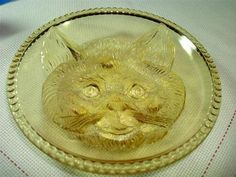 COLUMBIA - FINDLAY AMBER GLASS CAT PLATE NOVELTY