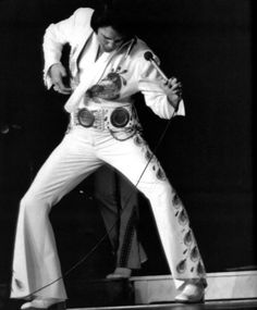 Pinner said: (I agree) No one gives Elvis the credit he desired for playing the first Air Guitar.