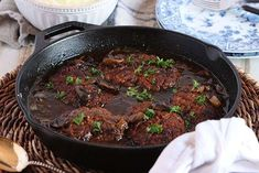 The Very Best Salisbury Steak Recipe // Video - The Suburban Soapbox Seriously the BEST Salisbury Steak Recipe of all time. This easy one-pot Salisbury Steak with Mushroom Gravy is quick, simple and loaded with rich flavor. Meat Recipes, Dinner Recipes, Cooking Recipes, Dinner Ideas, Skillet Recipes, Lamb Recipes, Breakfast Recipes, Steaks, Best Salisbury Steak Recipe