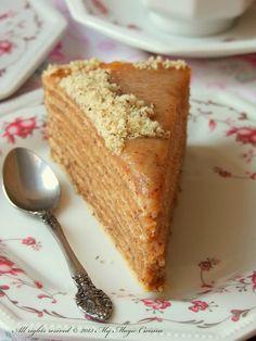 Layer cake with walnuts (in Serbian) My Magic Cuisine: Žito torta Serbian Cake Recipe, Croatian Recipes, Baking Recipes, Cake Recipes, Dessert Recipes, Dessert Ideas, Torta Recipe, Food C, Kolaci I Torte