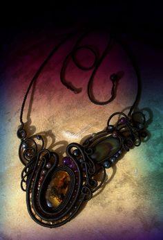 Paper Marbling, Micro Macramé, Friendship Bracelets, Macrame, Designers, Magic, Leather, Beautiful, Jewelry