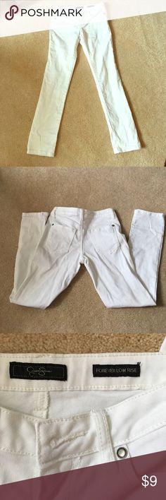 White Jessica Simpson Skinny Jeans, Size 25 Size 25 white forever low rise Jeans By Jessica Simpson. Skinny Jeans #whitejeans #white #size25 #JessicaSimpson #foreverlowrise #smokefreehome  #noholes #petfreehome #pricenegotiable Jessica Simpson Jeans Skinny