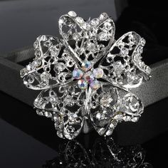 New Arrived Fashion Silver Alloy Flower Shape Female Brooches