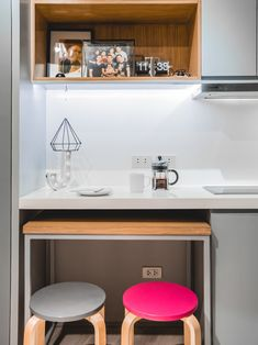 From having invisible cabinets to showcasing smart furniture picks, this tiny bachelor pad home inspires us to declutter and revamp our own space Condo Interior Design, Small Space Interior Design, Condo Design, Studio Condo, Studio Apartment Design, Tiny Studio, Condo Kitchen, Kitchen Living, Studio Type Condo Ideas Small Spaces
