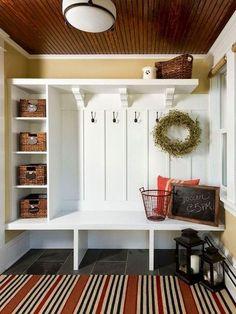 Rustic Small Mudroom Bench Ideas (37)