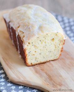 Delicious Glazed Almond Poppy Seed Bread - no yeast involved and so good! { lilluna.com }