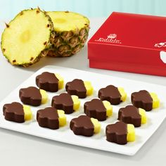 Chocolate Dipped Pineapple Daisies ® Box. You can't resist it. Might want to order two boxes! #Pineapple #Chocolate #Gifts