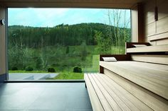 In Baiersbronn, located in the Black Forest, is where Traube Tonbach welcomes guests to its hotel. Pleasure, relaxation and luxury feel at home here. Sauna House, Sauna Room, Outdoor Sauna, Outdoor Pool, Saunas, Walk Through Shower, Superior Hotel, Black Forest Germany, Dry Sauna