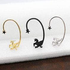 This unicorn jewelry piece is an ear cuff clip, for the left ear. The ear cuff unicorn jewelry shows a flying horned horse. Not only does Unicorn Shops jewelry a huge offering on this Pinterest board, but we also have one of the largest variety of unicorn items to buy. This is why our website is the place where to find and buy unicorn jewelry and other gifts for others or yourself.