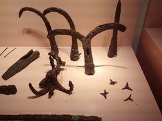 7세기 백제의 쇠갈고리창 양갈래창,세갈레 갈고리,창-7CE Baekje's lron hook(left),lron spear with two branches(middle),iron spearhead(right),iron hook with three ranches 1