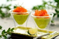 Avocado Mousse & Smoked Salmon Verrines :: 2 ripe avocados, peeled, pitted and d. Weight Loss Menu, Salmon And Broccoli, Smoked Salmon Recipes, Avocado Mousse, Avocado Cream, Elegant Appetizers, Dukan Diet, Food Trends, Food Inspiration