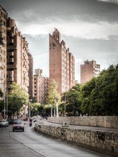 La Obra Urbana de Togo Díaz / José Ignacio Díaz New York Skyline, Street View, Travel, Buildings, Architects, Urban, Cities, Fotografia, Photos