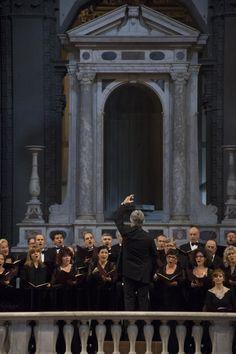 Il Coro del Maggio Musicale Fiorentino nella chiesa di Santo Stefano al Ponte © Michele Borzoni / TerraProject / Contrasto
