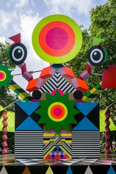 City-Complementing Art Installations : joy and peace