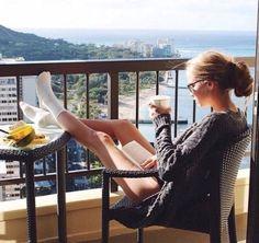 Instagram Beach, Instagram Pose, Best Photo Poses, Picture Poses, Picture Ideas, Photo Ideas, Summer Poses, Beach Poses, Posing Guide