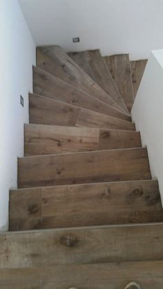 Dakota - Holzoptik - Fliesendorf Tile Stairs, Woodworking Projects, New Homes, House Design, Interior Design, Home Decor, Inspiration, Beautiful, Rustic Stairs