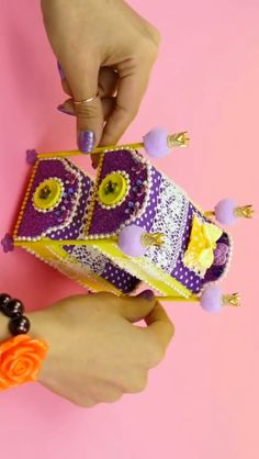 Diy barbie s bed check out these fun tips tricks and hacks for decor more in your home! decor decorations hacks tips diy home Barbie Dolls Diy, Diy Barbie Clothes, Barbie Clothes Patterns, Barbie Doll House, Barbie House Furniture, Doll Furniture, New Furniture, Furniture Plans, Doll House Crafts