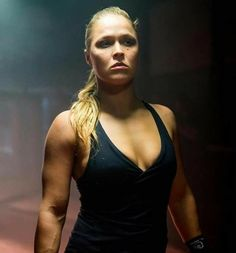 Ronda Rousey Pics, Ronda Jean Rousey, Wwe Female Wrestlers, Female Athletes, Rhonda Rousy, Rowdy Ronda, Wrestling Divas, Wrestling Stars, Female Fighter