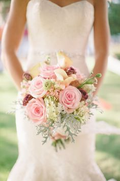 Bridal Bouquet | Wedding Ideas | Forever Bride | Wedding Planning Made Easy | Minneapolis