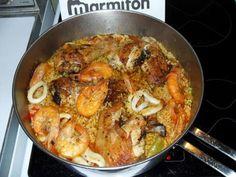 ail, tomate, fruit de mer, lardons, chorizo, poivron rouge, blanc de poulet, vin blanc, safran, riz, poivre, Sel, gambas