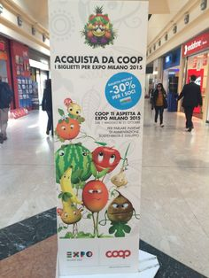 在米兰的Coop超市里,你有没有发现一些可爱的水果玩偶呀?对啦,他们就是2015米兰世博会的吉祥物FOODY(福迪),还有它的11个兄弟。每一个吉祥物都是对应一种水果或蔬菜。Josephine(香蕉)、Rodolfo(无花果)、Chicca(石榴)、Arabella(橙子)、Gury(西瓜)、Manghy(芒果)、Piera(梨子)、Pomina(苹果)、Rap Brothers(萝卜)、Max Mais(蓝玉米)和 Guagliò(大蒜)。