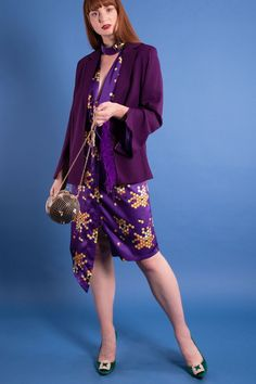 Honeycomb printed dress with bee choker detail Purple Blazer with feathers detail Honeycomb gold bag  womenswear party outfit  plus size available Purple Outfits, Chic Outfits, Summer Outfits, Fashion Outfits, Summer Dresses, Fashion Trends, Purple Blazers, Kites, Night Looks