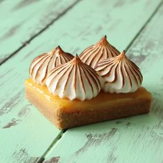 Graham cracker crust with lemon butter and toasted marshmallowy meringue spikes.