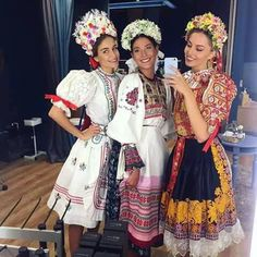 If you really, really want to make a selfie, this is the right occasion to do it. Folklore, Scandinavian Folk Art, Russian Culture, Native Style, Folk Costume, Traditional Dresses, Dance Wear, Bridesmaid Dresses, Dresses