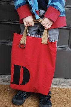 DIY bag: old belt for handles