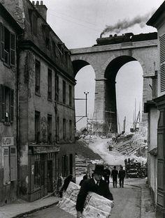 Meudon, Paris, 1928, André Kertész (and that train!!!)