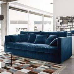 notre canap yasmine habill dun velours bleu sarah rfrence moscou royal walls pinterest royals and canapes - Canape Bleu