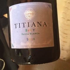 Titiana Brut pansa blanca 2011 #uvinum #videocata