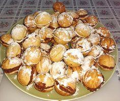 Prajitura nuci cu crema in forma de nuci   Retete culinare gustoase Pretzel Bites, Bread, Food, Brot, Essen, Baking, Meals, Breads, Buns