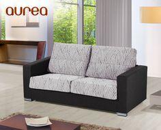 Le presentamos un magnífico sofá de gran diseño que, también se puede convertir fácilmente en una espaciosa cama de 140x190 cm.    Tenemos un gran stock de este modelo fabricado sin tapizar. Por eso, le ofrecemos un precio irrepetible y la ventaja de que, al no estar tapizado, puede elegir el acabado final. Con HOME personaliza su sofá y lo compra a precio de outlet.