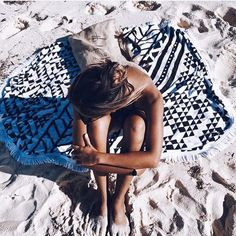 salty afternoons with our original jute bag and aztec roundie #thebeachpeople #theoriginalroundie via @leagoeson