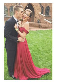 Sadie Robertson at prom - such an adorable prom couple