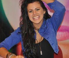 Isabella Castillo en el Yeni de Unicenter en la firma de autógrafos