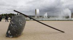 LEE UFAN VERSAILLES  - 이우환 베르사유 초대전  장소 : 베르사유궁전과 정원   일시 : 2014년 6월 17일~ 11월 2일 유로자전거나라