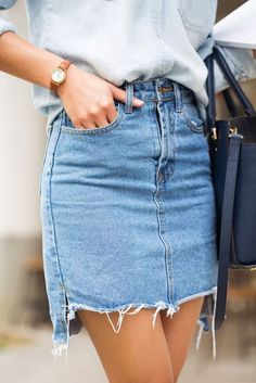 Spring style | Chambray shirt, denim skirt and a navy handbag