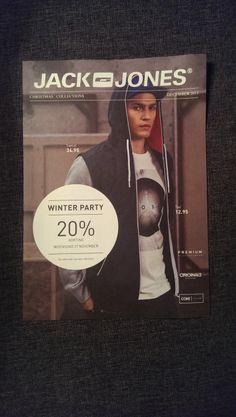 Ik vind de foto niet heel mooi op deze flyer omdat de kleren eentonig zijn. Wel geeft het duidelijk aan dat er ook korting is.