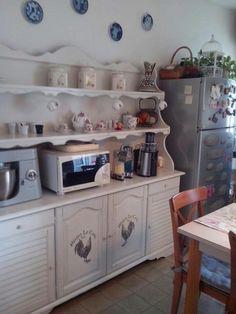 La credenza in cucina  rivisitata in stile Shabby!!