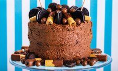 Bolo de chocolate com creme de avelã | Receitas | Pingo Doce Bolacha Cookies, Cake, Desserts, Food Cakes, Wafer Cookies, Serving Dishes, Dessert Ideas, Recipes, Bolo De Chocolate