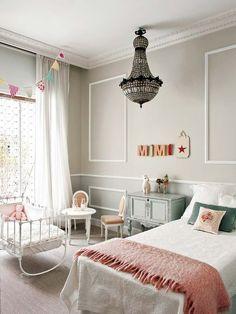 Lámpara de cristal y cama de 90 cm