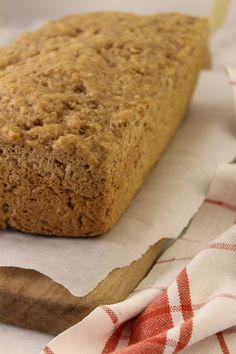 Receita de pão de centeio e aveia, preparado com flocos e farinha de aveia. Um preparo rápido, fácil e incrivelmente delicioso!