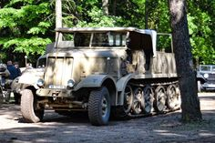 """Sd.Kfz. 9 schwerer Zugkrafwagen (18-ton) """"FAMO""""."""