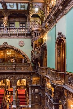 Peleș Castle: luxurious residence of Romanian monarchs Peles Castle, Fine Woodworking, Dark Wood, Romania, Digital Prints, Wedding Photography, Explore, Mansions, House Styles